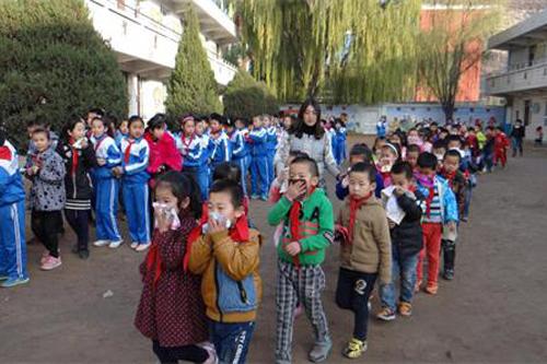 榆林文明网--神木县店塔第一小学举行防火演练活动